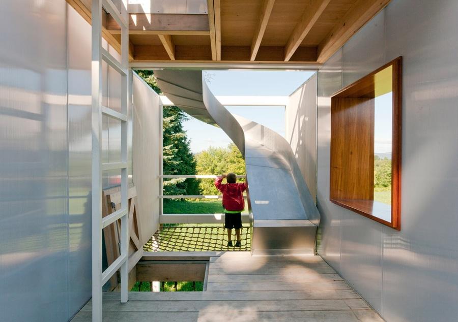 Ehrfürchtiges Zweistöckiges Baumhaus Ist Halbe Dschungelgymnastik ... Spielhaus Im Garten Verspricht Abenteuer Pur Im Eigenen Hinterhof