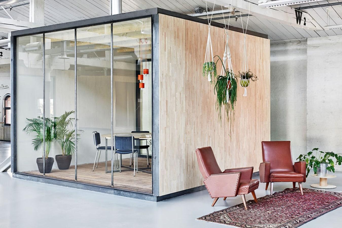 fairphone? büros s-amsterdam errichtet innerhalb eines alten, Innenarchitektur ideen
