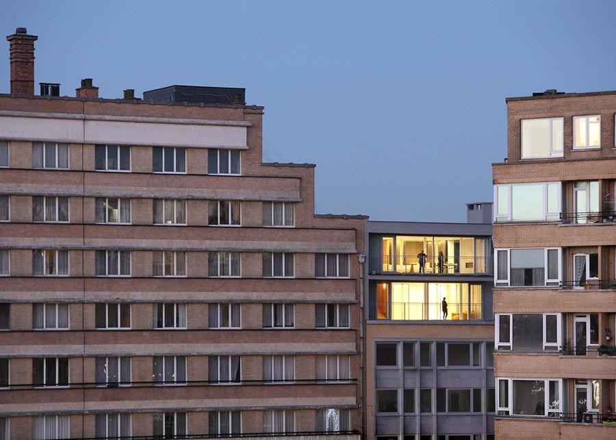 B-ILD Mähdrescher zwei Wohnungen in zu verursachen Brüssel leben ...