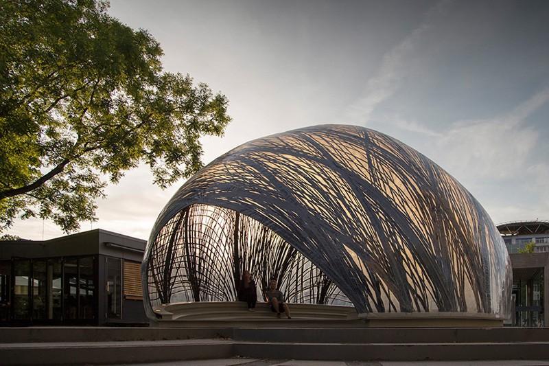 Durch das Carbon besitzt der Pavillon ein relativ leichtes Gewicht