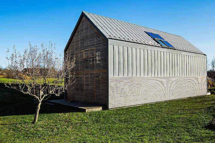 Fertighaus bauernhaus  Das Fertighaus, das nach Hause Solar-angetrieben wird, ist ein ...