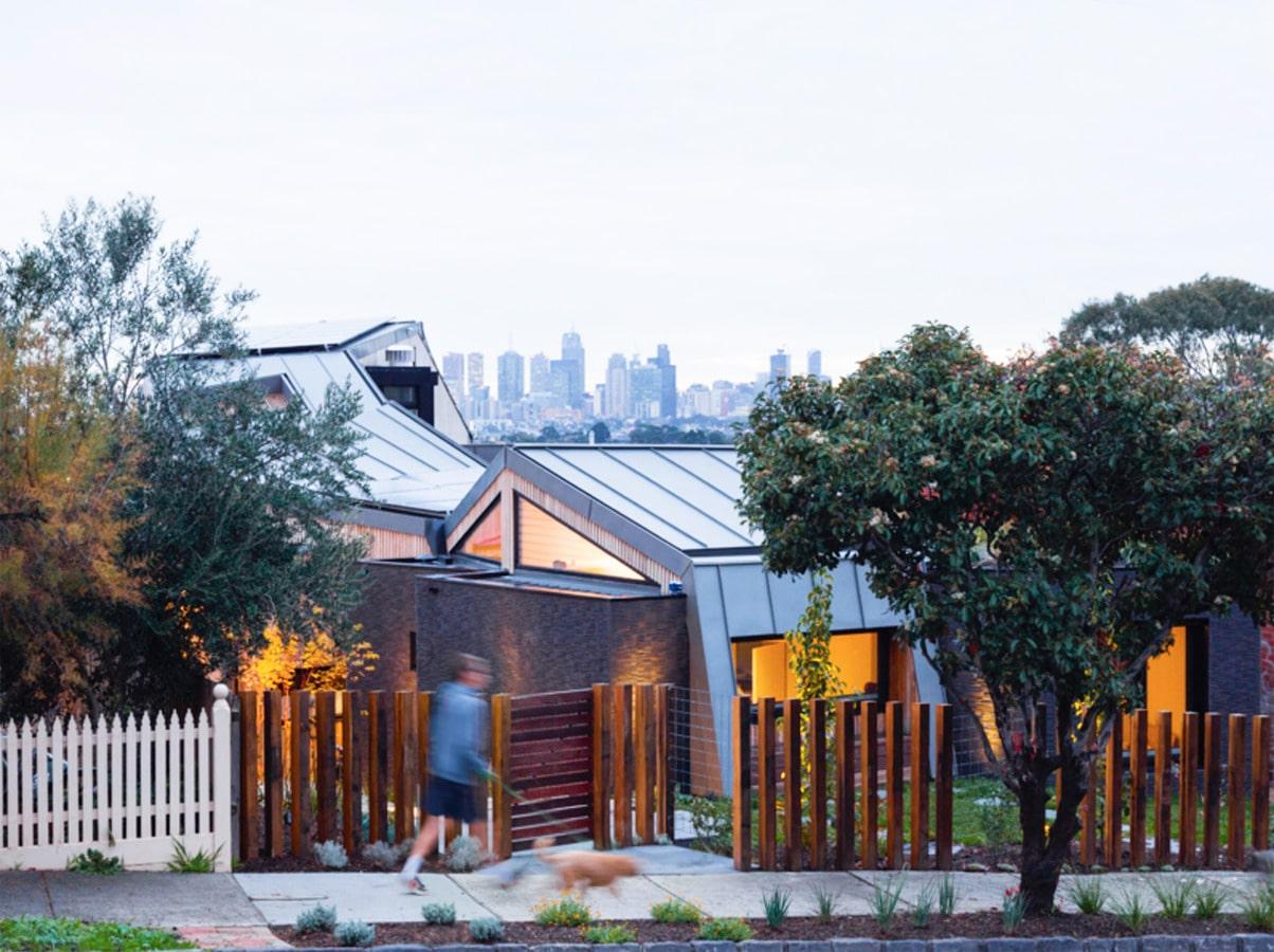 Das Ruckers Hügel Haus, Entworfen Von Gardiner Architects, Ist Ein Glasiger  Grüner Aufenthaltsort