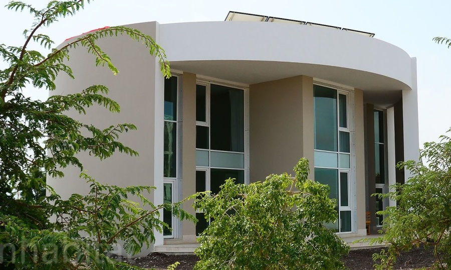 Rundes Ecohaus In Oman Benutzt Komprimierte Erdeziegelsteine Fur Ein