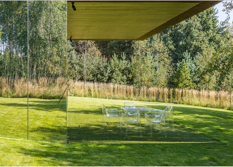 Spiegel Im Garten spiegel heben den kragbalken des robert koniecznys leben garten