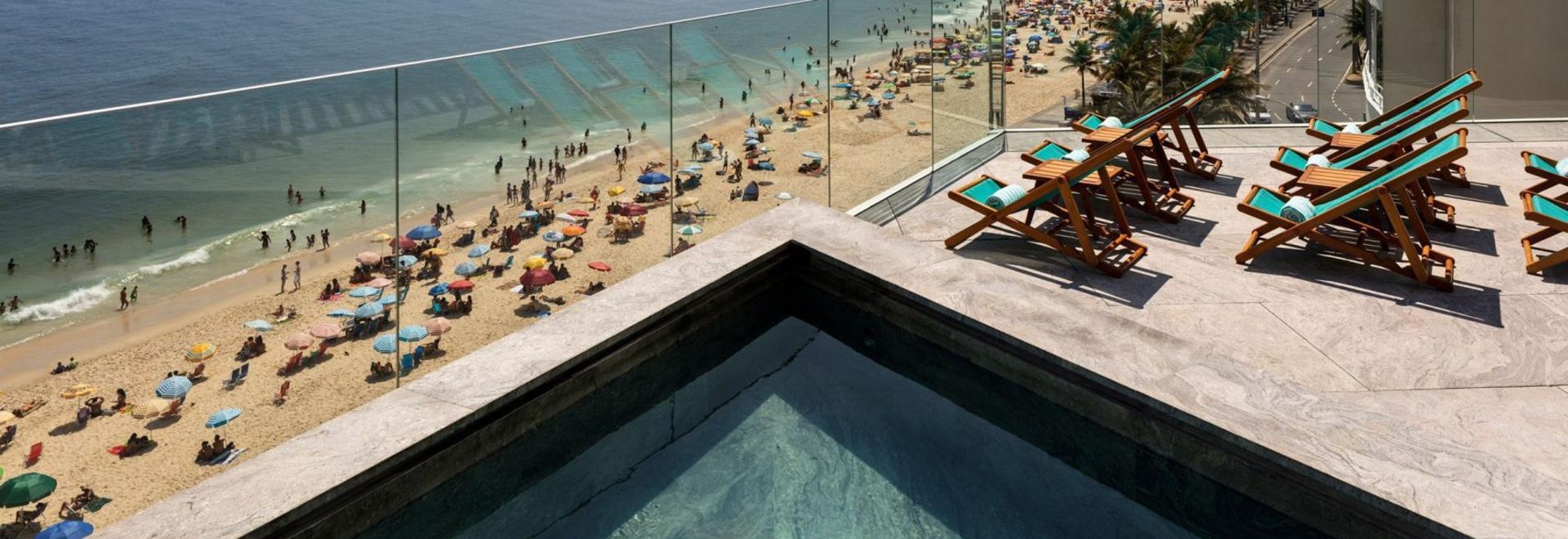 Bernardes Arquitetura erneuert Rios strandnahes Hotel Arpoador