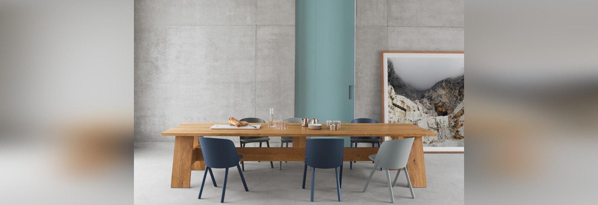 David Chipperfield stellt einfache Möbel von den hölzernen Planken ...