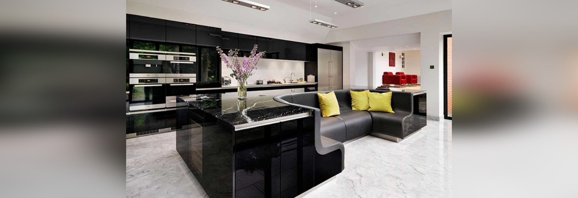 Sofa für küche  Diese Küche hat eine Insel mit einem eingebauten Sofa - Winchester ...