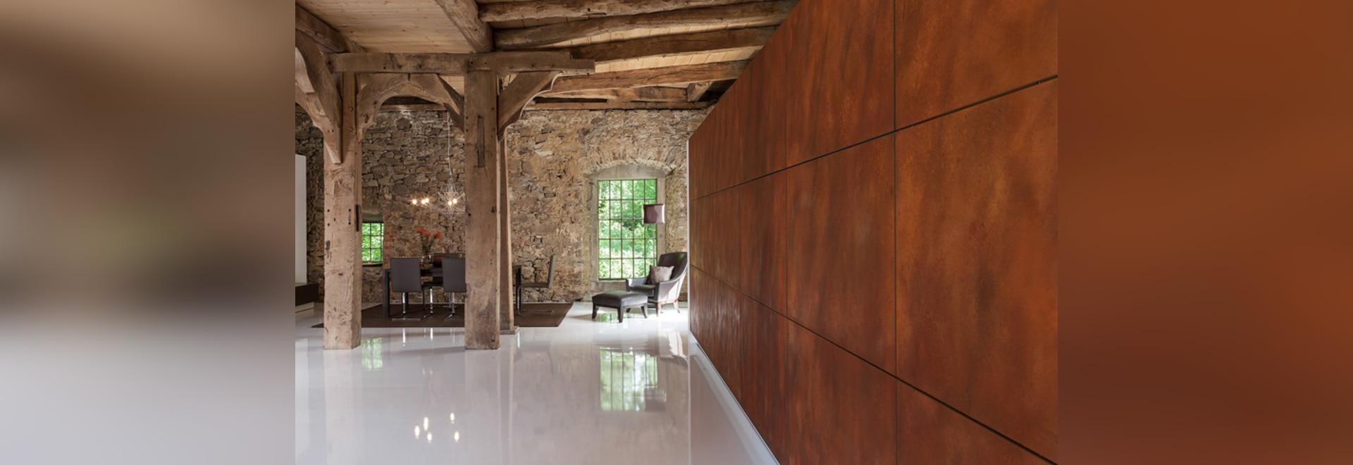 Diese Küche ist entworfen, am Stoß eines Knopfes weg versteckt zu ...