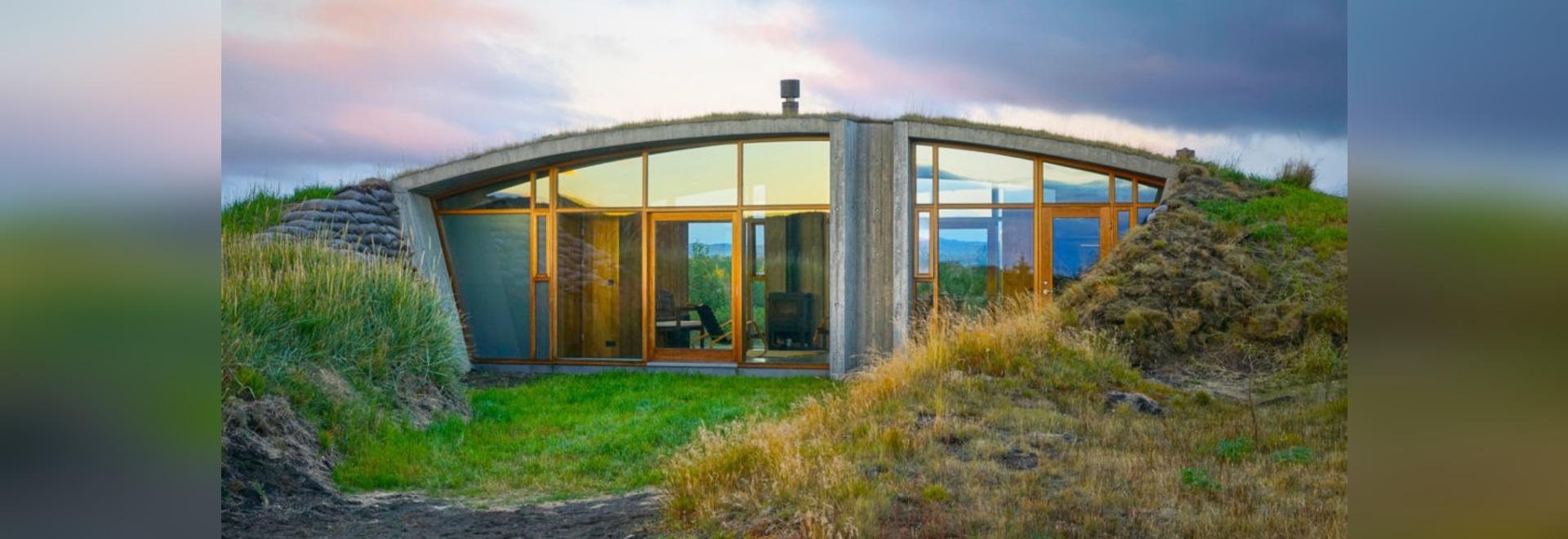 Dieses erstaunliche isländische Haus wird unter der Erde begraben ...