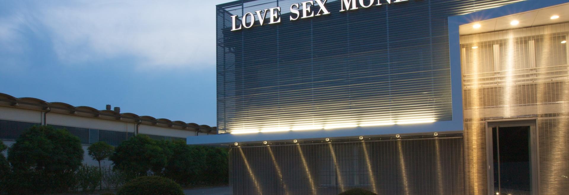 Fassaden - lieben Sie Sex-Geld-Hauptsitze; Carpi, Modena