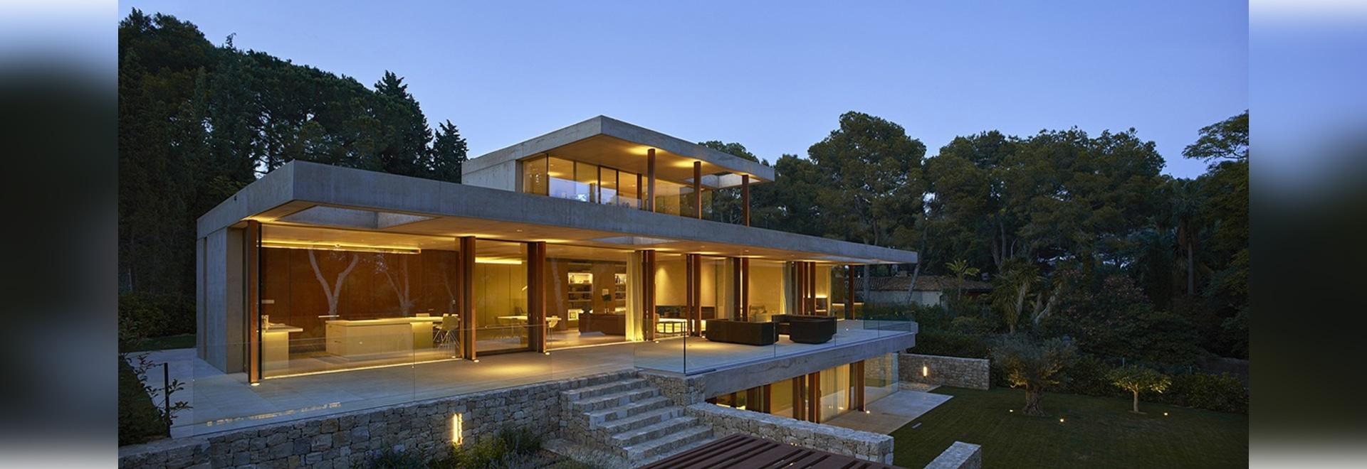 Haus in der Kiefer Forest By Ramon Esteve - Madrid, Spain