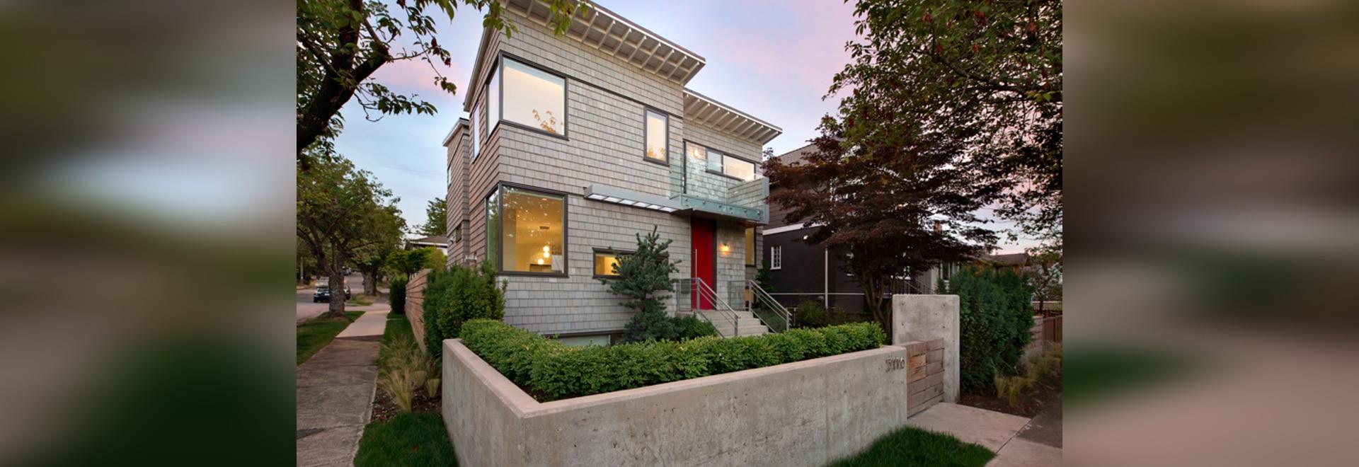 Randy Bens entwirft ein Haus auf einem Ecklos in Vancouver ...