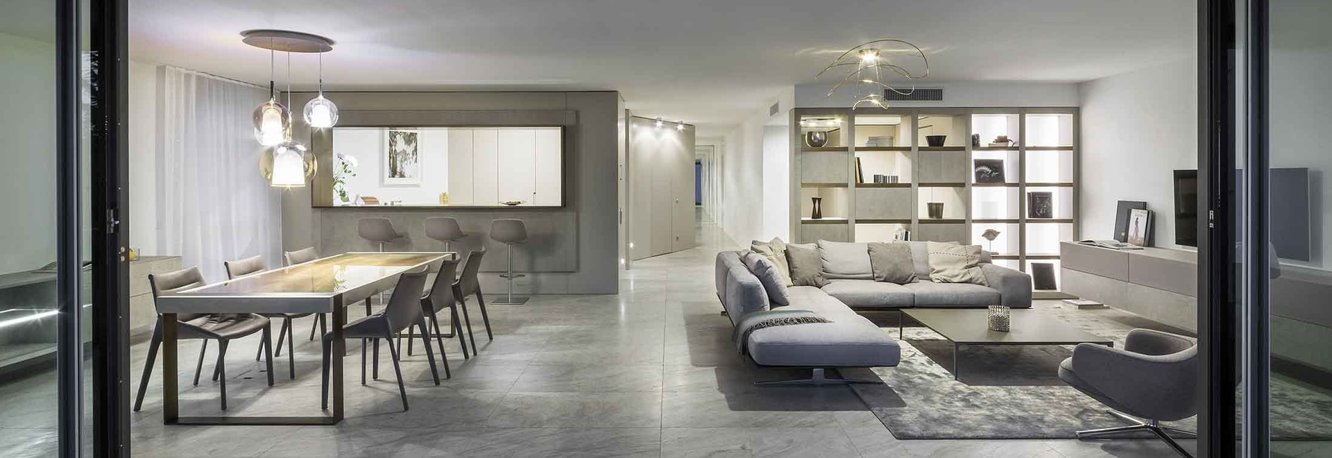 Schlüsselfertig bestellte Innenraum in einer exklusiven Wohnung in Locarno voraus