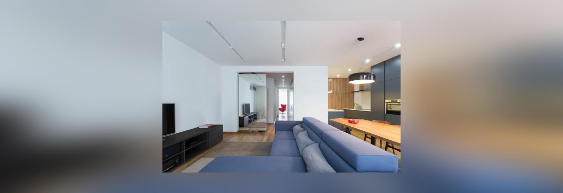 Zwei moderne Häuser mit Räumen für kleine Kinder [mit Fußboden ...