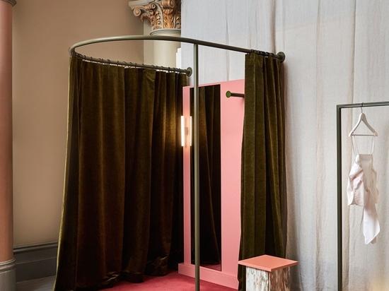 Rosa für Gebet: Mönch House Designs neuer Melbourne-Speicher durch Flack-Studio