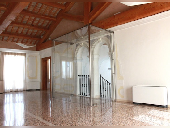 NORDWALL, das international ist, nimmt an der Erneuerung des historischen Landhauses Cà Battaja-Belloni teil und entwirft den Plan der historischen Raumdank Idee, das System von Einzelfachwänden.