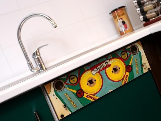 Die Küche der Junggeselleauflage schlägt heraus leicht!