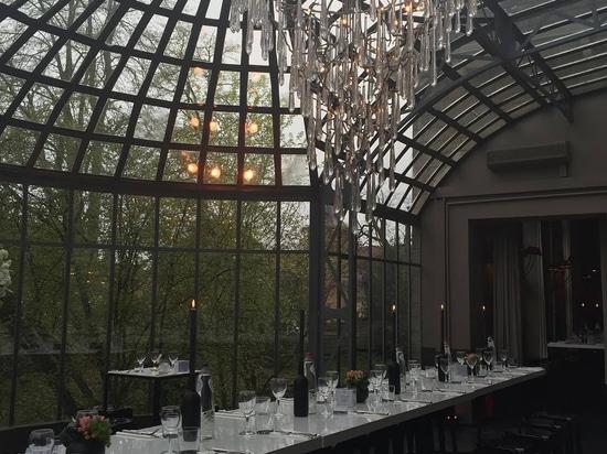 Eleganz und majestätische Ansichten in Chateau de Ruisbroek, Belgien