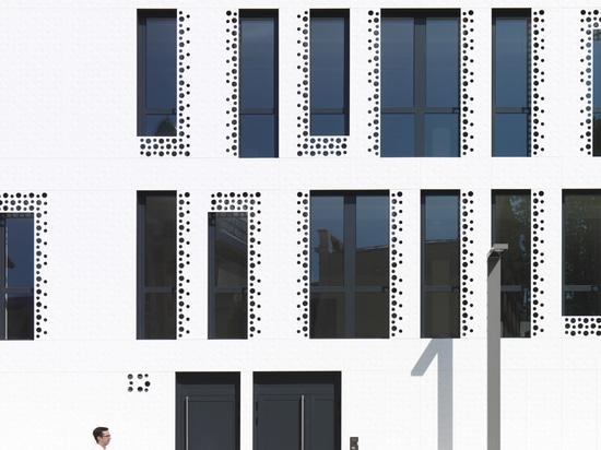 Das Studio Reichen & Robert & Associes designt mit KRION die einzigartige Fassade von Docteur Pierre