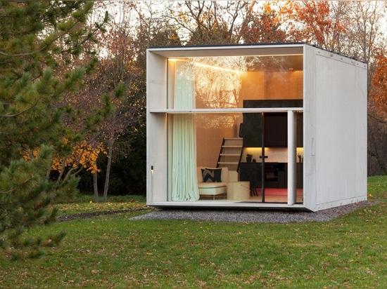 Das bewegliche konkrete Haus Koda. Höflichkeit von Kodasema. Foto durch Paul Kuimet.