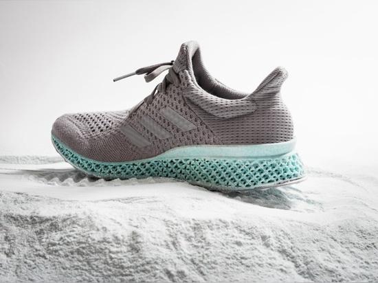 Alexander Taylors Adidas-Schuh vom Kunststoffabfall