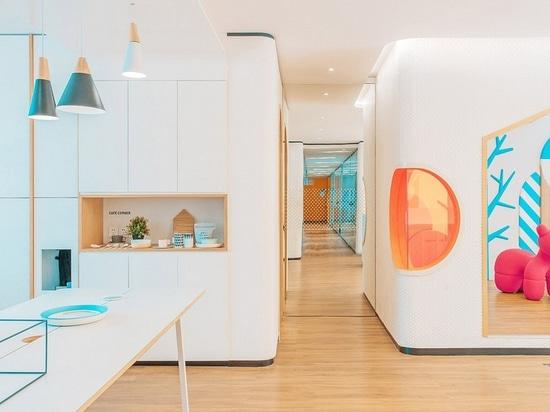 Innenarchitektur-Scheinwerfer: Hinzufügen orange entwerfen. Zahnmedizinische Klinik in China durch RIGI-Entwurfsunternehmen