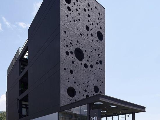 tauchen das Meer der Architekten auf, das Schaum-inspiriertes Gästehaus in Taiwan Passanten nachts anzieht