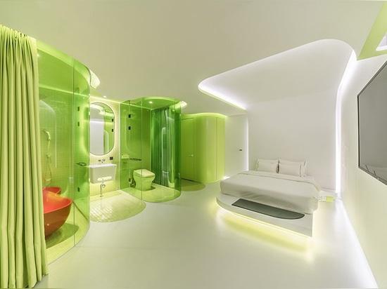 Lindgrüne Reihe SMLS ähnelt einer futuristischen Raumschiffkabine