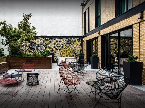 Image'In bestellte Pflanzer im Faserzement für einen Entwurf von L'Imprimerie-Hotel voraus