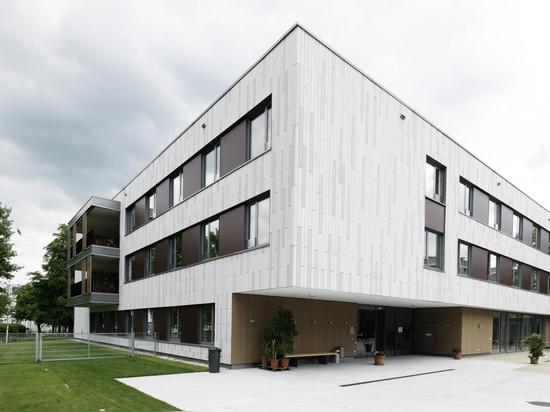 Seniorenwohnhaus mit öko skin Fassade