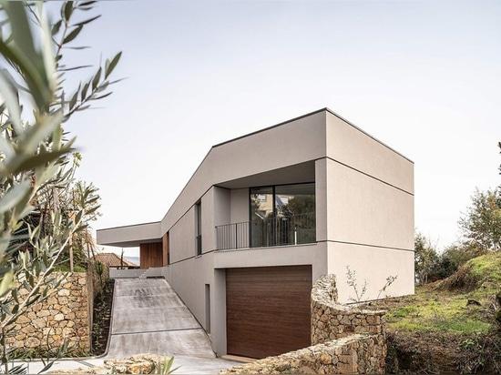 Paulo-martins konstruiert das GR-Haus von den unregelmäßigen Formen in Portugal