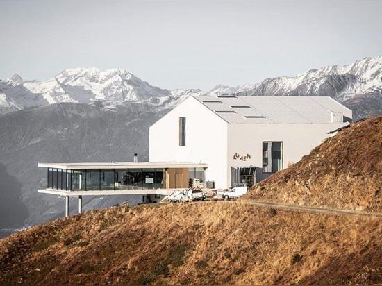 Lumenmuseum von Gebirgsphotographie sitzt auf die Dolomit