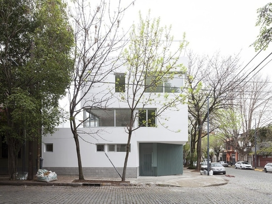 Abschrägungen und Rückschläge bieten Außenraum an Buenos- Aireswohnungen an