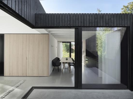 Kleine Innenarchitekten Ferienhaus/i29 + Chris Collaris