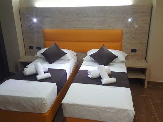 Mobilspazio für Hotel Stradivari, Mailand