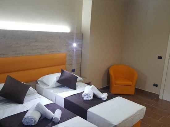 Mobilspazio für Hotel Stardivari, Mailand