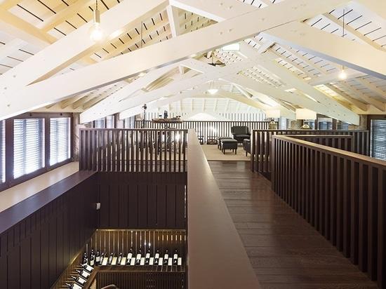 aguiar Studio Diogo wandelt veraltete Scheune in Weinkellerei in Hirten- Nord-Portugal um