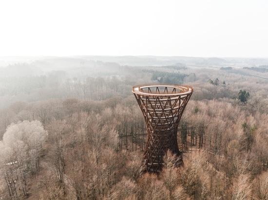 Camp Abenteuer Aussichtsturm / EFFEKT
