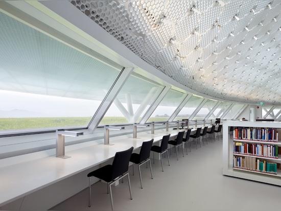 """Jean Nouvel vervollständigt die Bibliothek """"earth-work"""" an der Universität von Zypern"""