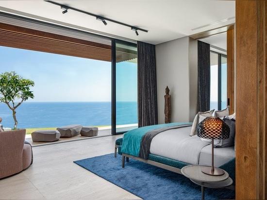 """SAOTA vermischt Innen- und Außenbereich zu einem """"uluwatu house"""" auf Bali"""