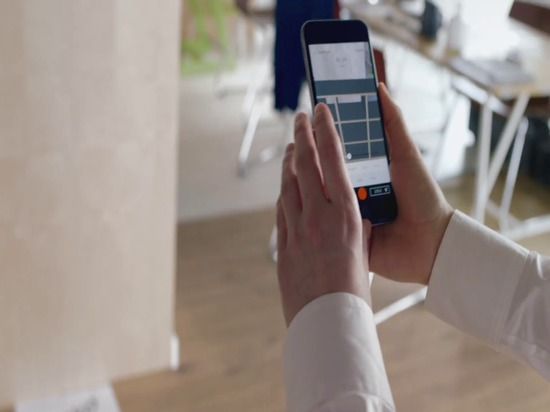 Treffen tylko. Ein App, der Möbel persönlich herstellt.