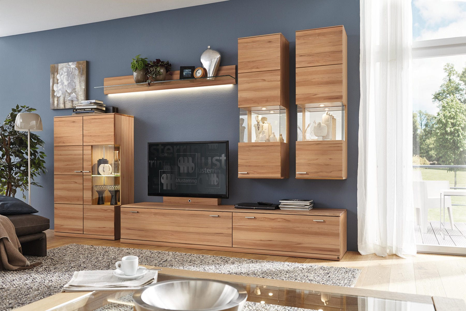 Moderne Wohnwand - KANTO - Musterring - aus Eiche / aus Buche