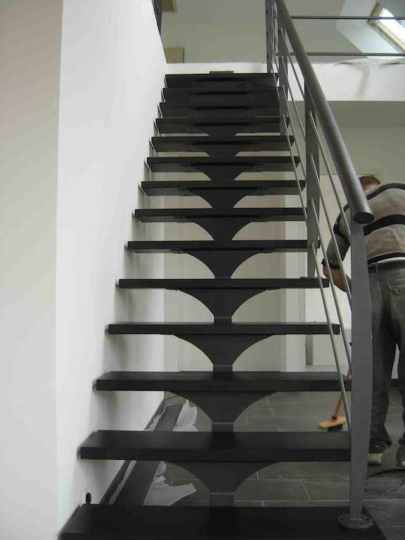 Gerade Treppe / Metallstruktur / gerade Stufen Metall / ohne ...