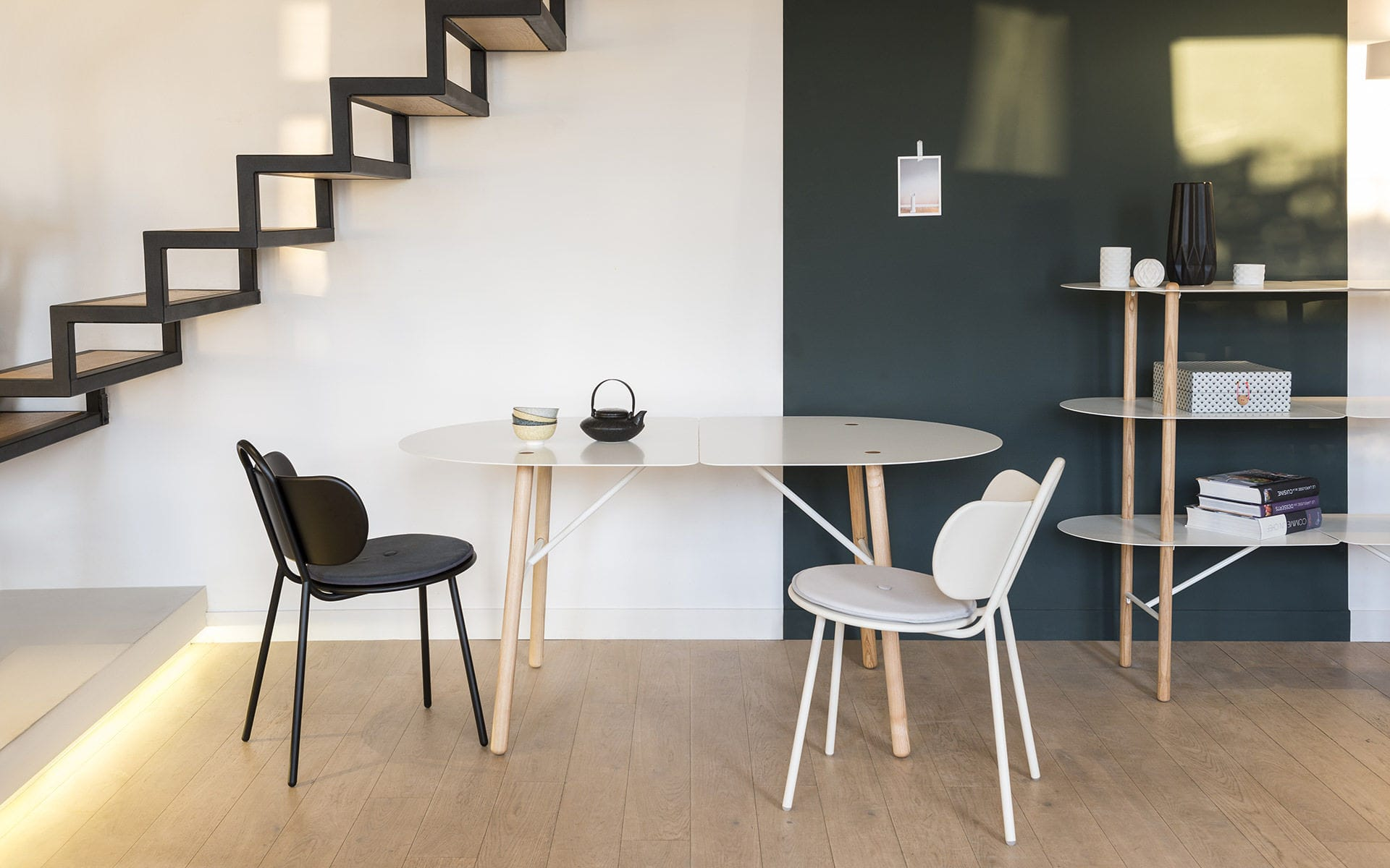 Moderner Stuhl Metall Weiss Blau Swim By Margaux Keller