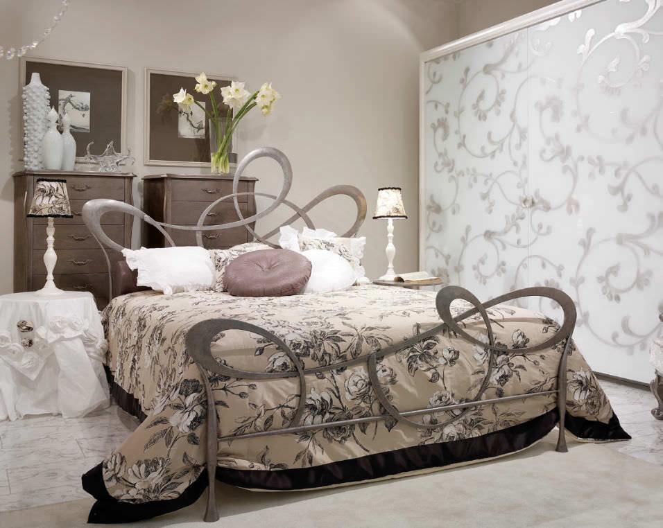 Doppelbett / klassisch / Schmiedeeisen