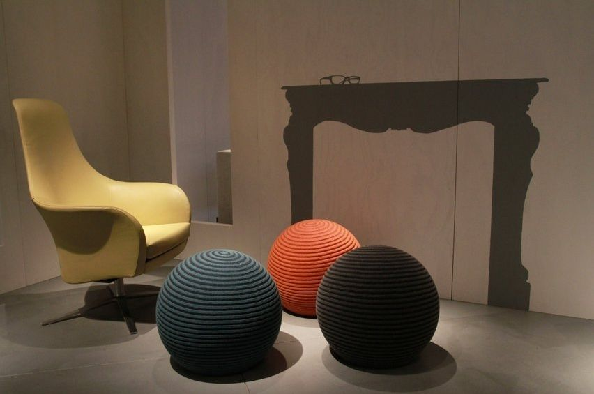 Sitzpuff / originelles Design / Wolle / Contract / grau ...