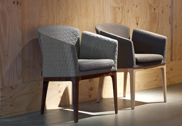 M LOTUS Stuhl mit Moderner Stoff Armlehnen Polster QsxthrCd