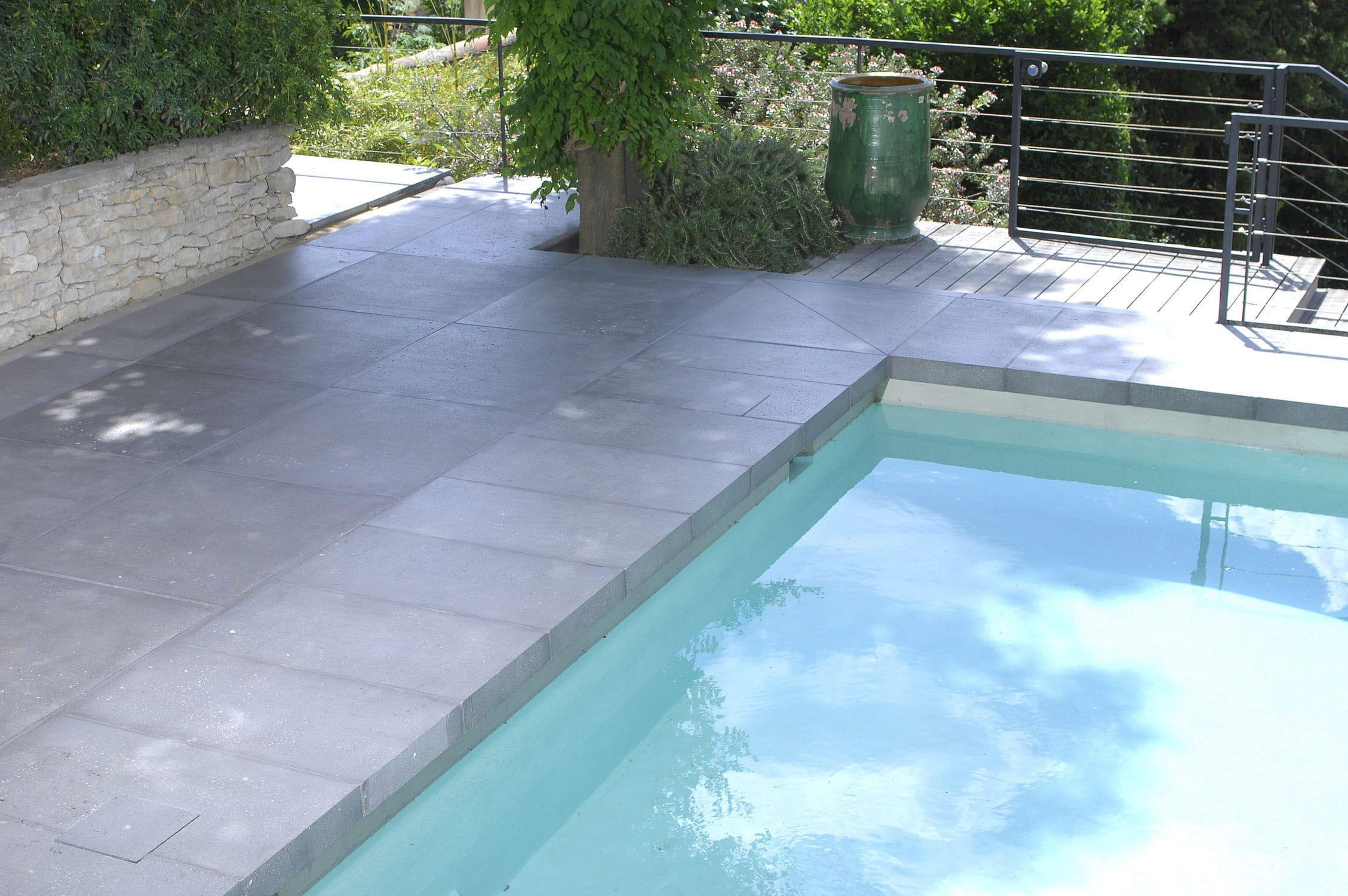 Relativ Fliesen für Poolrand / für Böden / Beton / matt - ROUVIERE GO07