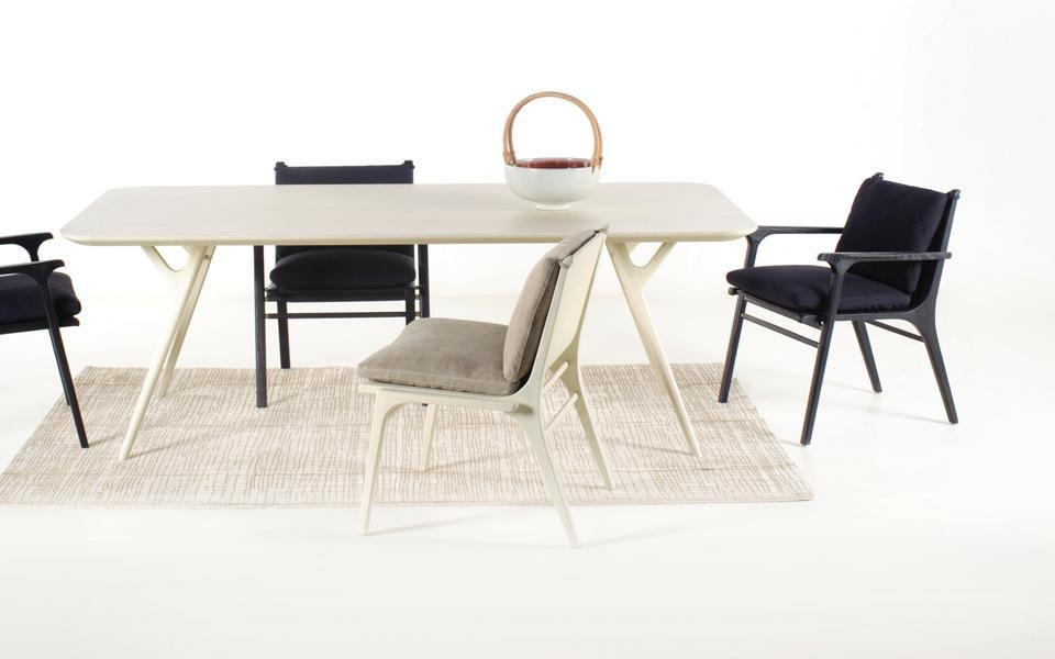 Esstisch / skandinavisches Design / Massivholz / Edelstahl / Laminat