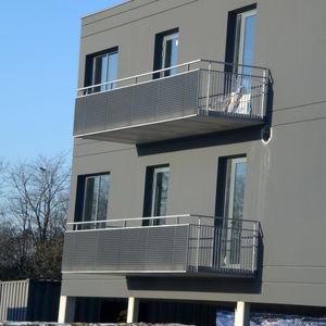 Geländer / verzinkter Stahl / Maschendraht / Außenbereich / für Treppen